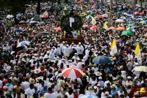 Reprimen protesta opositora en Nicaragua tras procesión católica