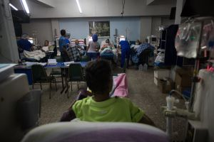 Venezolanos hospitalizados comen gracias a la caridad