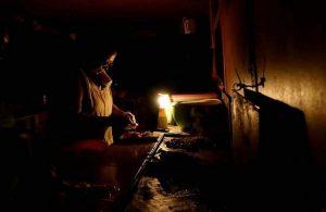 Zulianos reportan que llevan más de 12 horas sin luz #24Agos