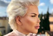"""ADVERTENCIA: Las nuevas fotos del """"Ken humano"""" en traje de baño te dejarán con la boca abierta"""