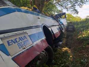 Accidente autobús en Perijá: En vez de ayudar a las víctimas lo que hicieron fue robarlos