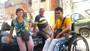 Pacientes acuden a centros espirituales para curar sus enfermedades