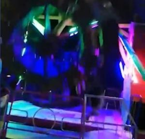 """HORROR en el parque de atracciones… salió volando de """"El Martillo"""", la golpeó y fue capturado en VIDEO"""