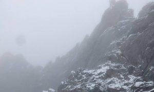 ¡HERMOSO! Fuerte nevada tiñe de blanco el Pico Espejo en Mérida (Video)