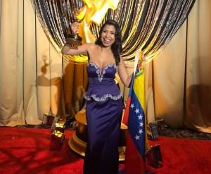 ¡La décima estatuilla papá! Periodista venezolana se alzó con un Emmy por su trabajo en la televisión estadounidense