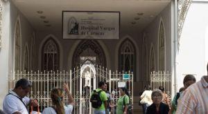 Al menos diez cadáveres permanecen en la morgue del Hospital Vargas desde hace dos años