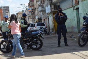 Fuerzas del régimen desalojaron a comerciantes informales de El Manteco
