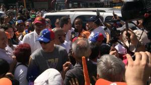 Juan Guaidó llega a la concentración en Carabobo #24Ago (Fotos)