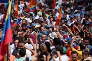 Guaidó agita la calle para presionar al régimen de Maduro