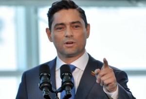 Carlos Vecchio responsabiliza a Maduro de integridad física del diputado Gilbert Sojo