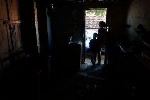 Varias zonas del estado Anzoátegui llevan horas sin servicio eléctrico #4Nov