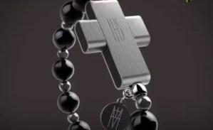 El Vaticano lanza un rosario inteligente que funciona con el celular (Video)