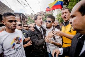 Guaidó: Es una práctica del régimen, asesinar en sectores populares para generar un miedo macabro (Fotos + Video)