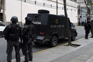 Presos se amotinan en cárcel de La Paz en medio de crisis política