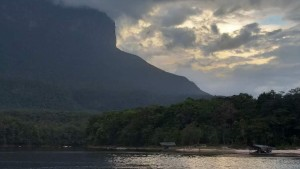 Runrunes: Canaima, el paraíso envenenado por el oro
