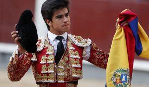 El venezolano Jesús Enrique Colombo da la vuelta al ruedo en plaza de Acho