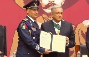 López Obrador asciende al piloto que trasladó a Evo Morales hasta México