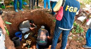 Descubren fosa común con 20 cuerpos de brutales asesinatos en El Salvador (FOTOS)