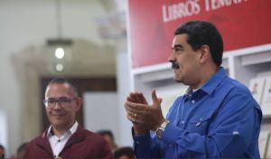 """Maduro insiste en """"ganar"""" unas elecciones parlamentarias para quitarse el """"clavo"""" de la derrota"""