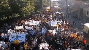 Colombianos empiezan marchas contra el gobierno de Iván Duque