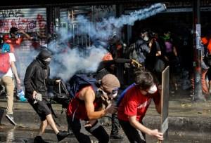 Piñera condena violencia y abusos policiales tras cuatro semanas de estallido