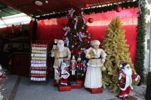 Un árbol de navidad grande cuesta un ojo de la cara
