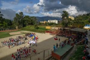 Cuna de mitos del béisbol venezolano lucha por sobrevivir (Fotos)