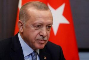 Erdogan pide a jefe militar Haftar que cese su actitud hostil en Libia