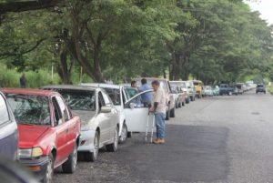 En Acarigua esperan hasta 8 horas de cola para surtir combustible
