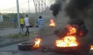 Protestas en Ciudad Bolívar por falta de combustible #9Dic (fotos)