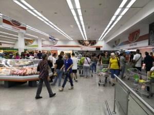 Dolarizadas y abastecidas de productos importados: Tiendas Clap desmontan el discurso chavista