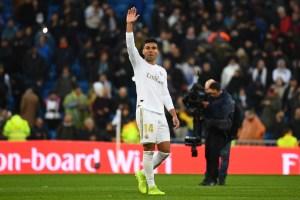 Un doblete de Casemiro coloca al Real Madrid como líder provisional en la Liga