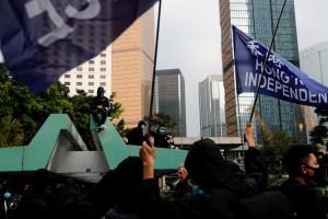 Policías golpeados en Hong Kong tras manifestación prodemocracia