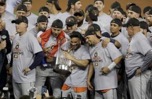 Instaron a la MLB a despojar a los Astros del título de la Serie Mundial de 2017