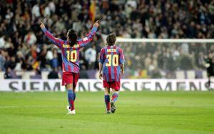 Ronaldinho reveló detalles de cómo fue su relación con Messi en el Barcelona