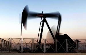 Petróleo baja por coronavirus y perspectiva de oferta en alza