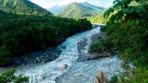 Naufragio de una embarcación dejó dos muertos y 23 desaparecidos en río de Perú