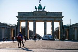 Nuevas restricciones en Europa para contener rebrote de la pandemia