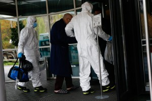 Balance diario de muertos en España se reduce pero total de decesos supera los 15.000