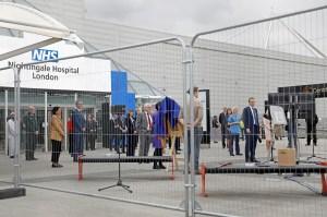 Londres estudia prolongar la cuarentena, con Boris Johnson aún hospitalizado