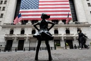 Wall Street cierra mixto pero el Nasdaq renueva récord