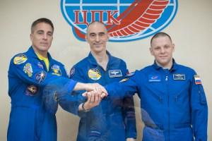 Un equipo espacial abandona la Tierra, en plena pandemia, rumbo a la ISS