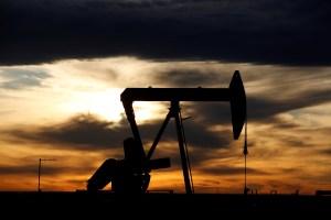 Los inventarios de petróleo y gasolina suben abruptamente en EEUU