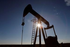 Las cotizaciones del petróleo bajan por pandemia y situación en Libia