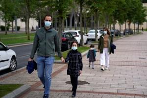 Niños con Covid-19 presentan con más frecuencia fiebre y tos