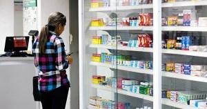 La escasez de gasolina le marca la pauta a la operatividad de las farmacias en Guayana