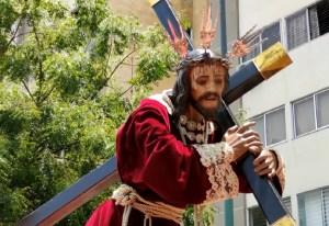El Nazareno de Chacao salió del templo a recorrer las calles del municipio (Video)
