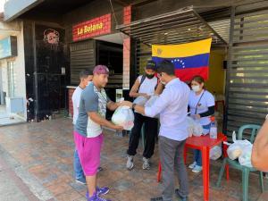 Venezolanos en Bolivia recibieron ayuda humanitaria del Gobierno Legítimo de Guaidó (Fotos)