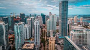 Empresas del sur de Florida esperan que la segunda ronda de financiación de las APP fluya en su camino