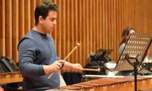 Teobaldo Luzardo, el zuliano que toca corazones a través de la música